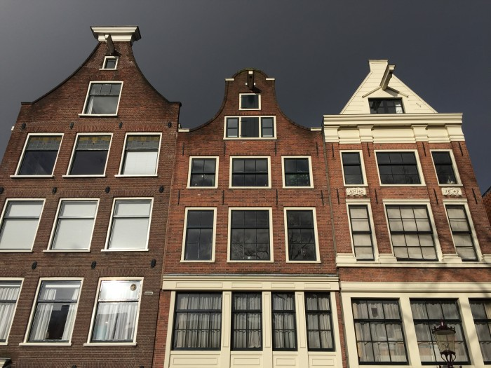 Amsterdam canal houses2