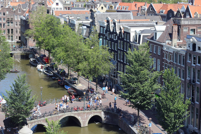 Amsterdam canal view2