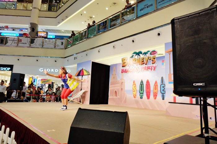 Barney's Beach Party in City Square Mall